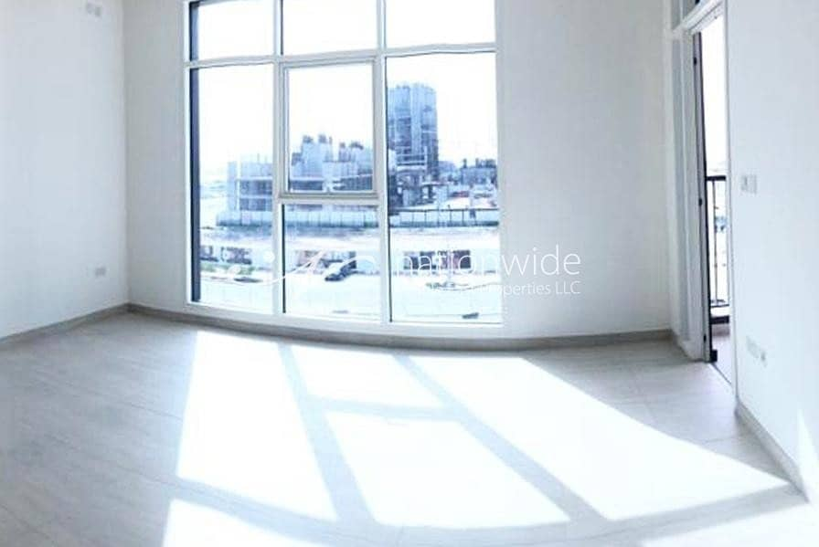 10 Sophisticated 1 BR Apartment with Balcony