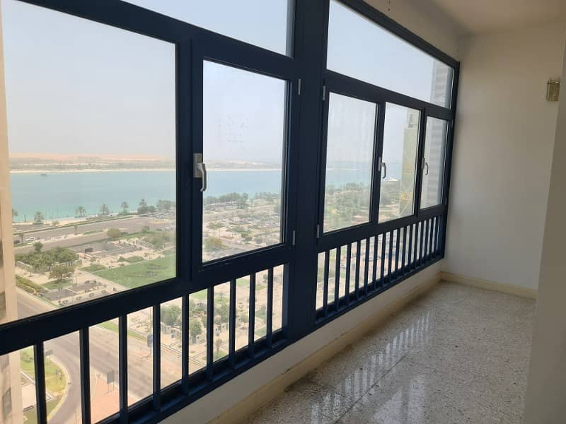 Excellent 4 Bhk Apartment Available in Corniche