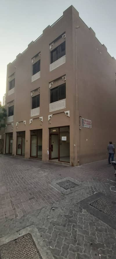 Shop for Rent in Deira, Dubai - BRAND NEW SHOPS FOR RENT IN A VERY GOOD RENT CLOSE TO FISH ROUND ABOUT CLOSE TO MARKETS ONLY IN 25K