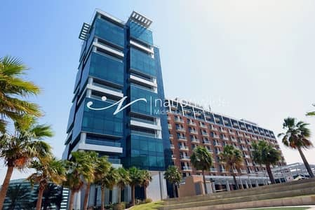 2 Bedroom Flat for Rent in Al Raha Beach, Abu Dhabi - A Spacious Duplex Apartment For 3 Payments