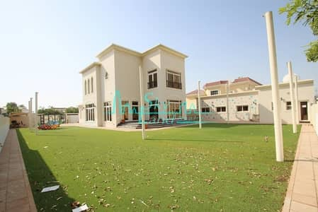 6 Bedroom Villa for Rent in Jumeirah, Dubai - Modern|Very bright|Spacious 6 bed | Large garden
