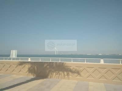 ارض سكنية  للبيع في نخلة جميرا، دبي - Residential/Hotel Plot For Sale|The East Crescent
