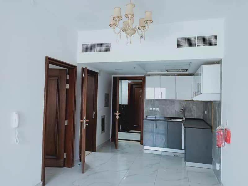 شهرين مجاناً   1 غرفة نوم مع شرفة كبيرة   بناء منشأة جديدة وكاملة