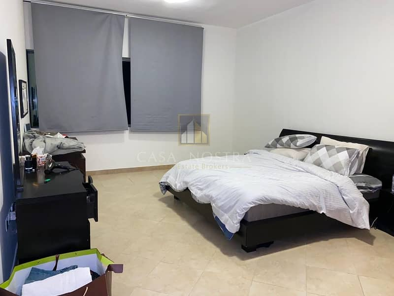 Hot Deal Well Maintained Fully Furnished 1BR