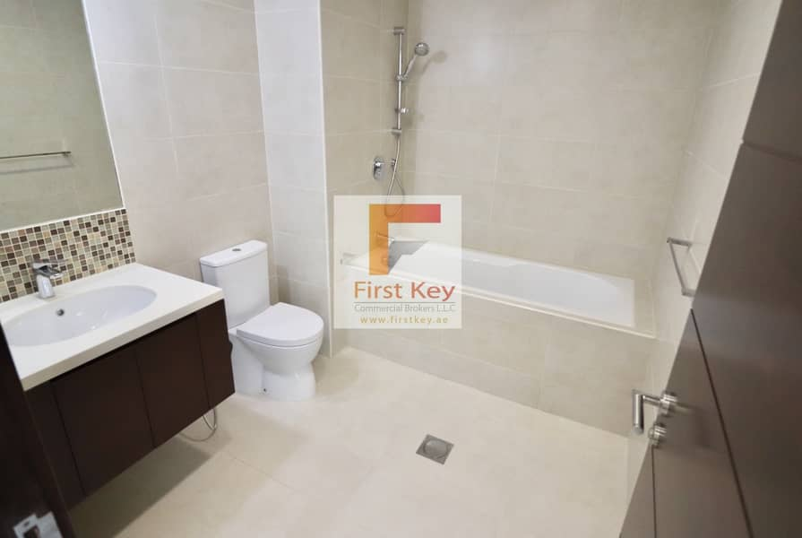 8 No Commission | 2BHK in Nation Tower | Parking