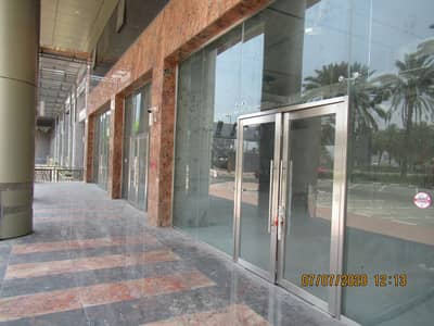 Showroom for Rent in Deira, Dubai - front view