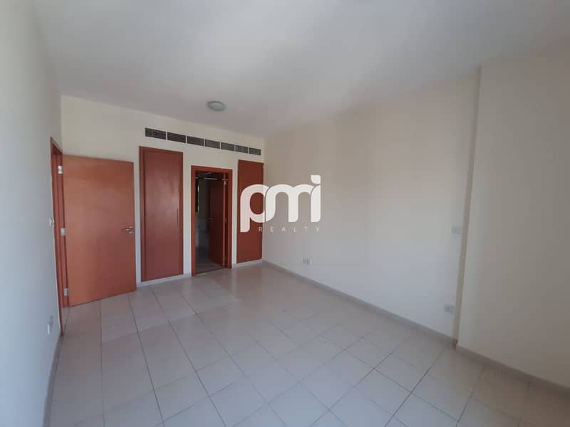 2 Spacious Living | Fitted Kitchen | Balcony with Greens Community