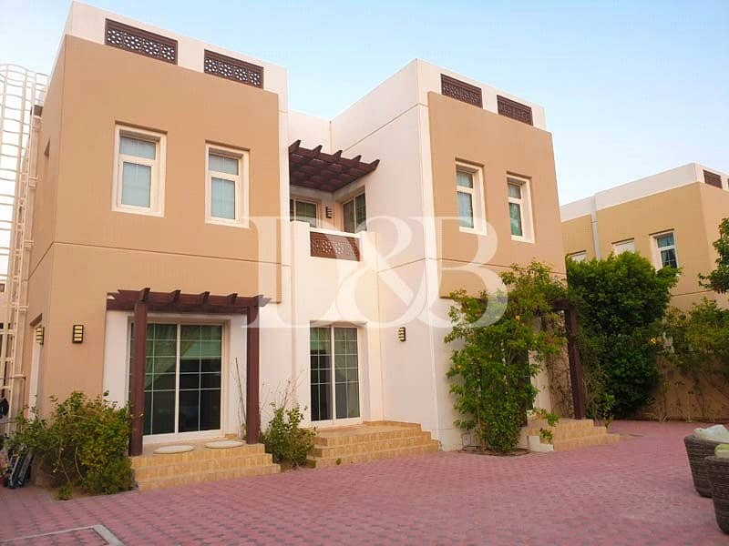 Single Occupant Villa | Next to Pool and Park