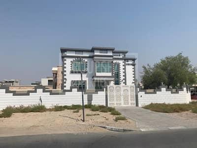 فیلا 5 غرف نوم للايجار في أم الشيف، دبي - 5 Bed Villa with Pool for Rent in Umm Al Sheif