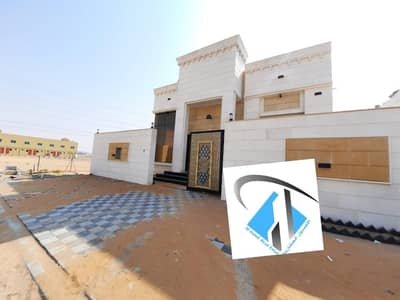 4 Bedroom Villa for Sale in Al Helio, Ajman - For sale villa corner central adaptation very excellent finishing without down payment and monthly installments for 25 years with a large banking leniency