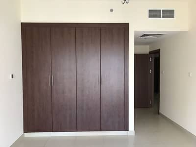 WELL MAINTAINED  1BR WITH 2 WASHROOM CLOSE TO NMC HOSPITAL