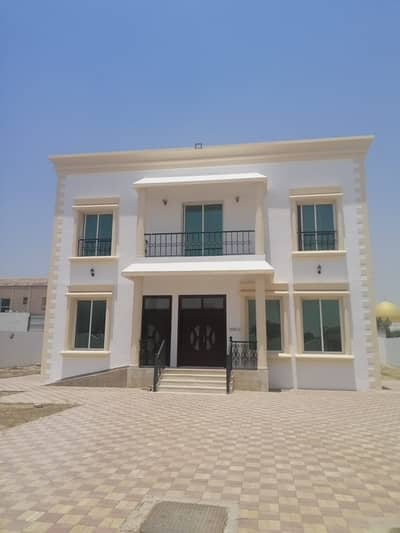 3 Bedroom Villa for Rent in Al Warqaa, Dubai - Good villa for rent in AL warqaa (3bedroom +2hall +majls +maidroom +garden  +parking+kitchen)