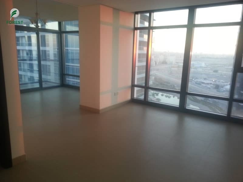 Spacious Layout | Lake VIew | 2 Beds | Unfurnished