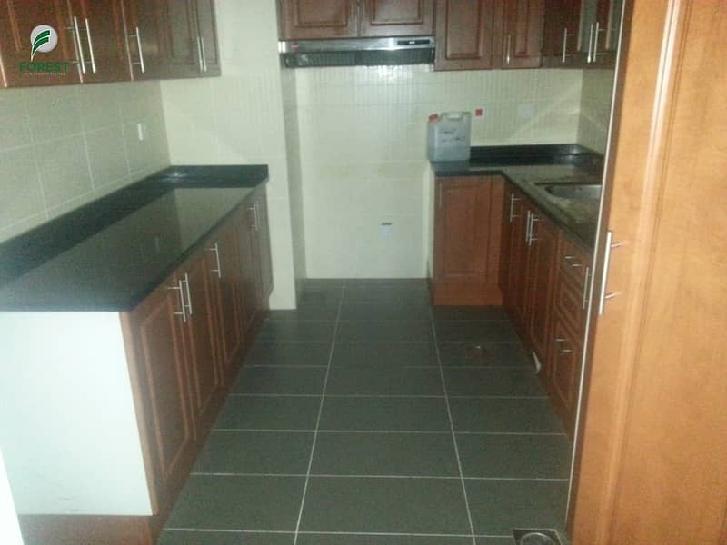 10 Spacious Layout | Lake VIew | 2 Beds | Unfurnished