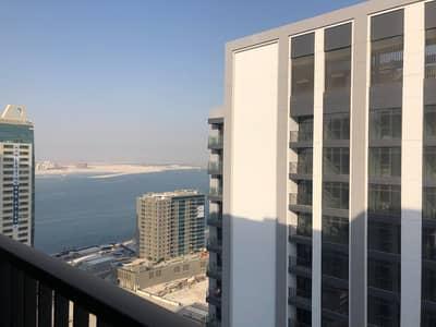 Neat Apartment + Sea View+Kitchen Island+Wardrobes