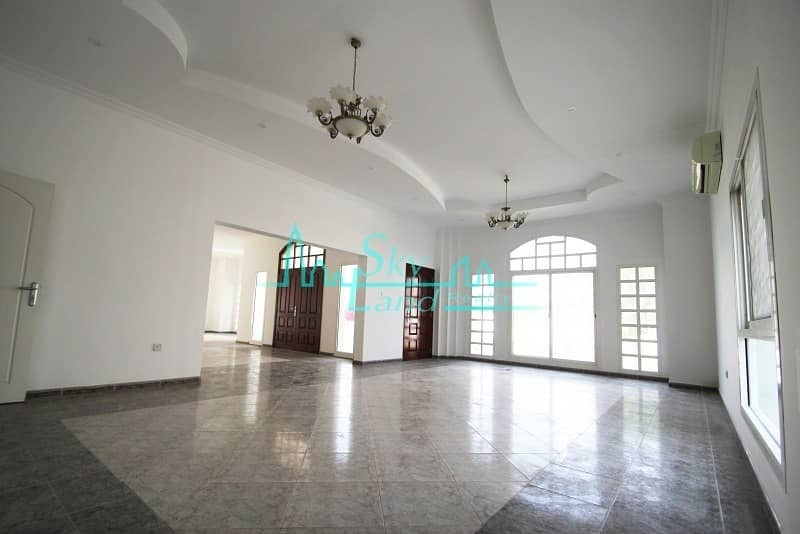 2 Very spacious one story 3 bed villa|Private Pool|Large Garden