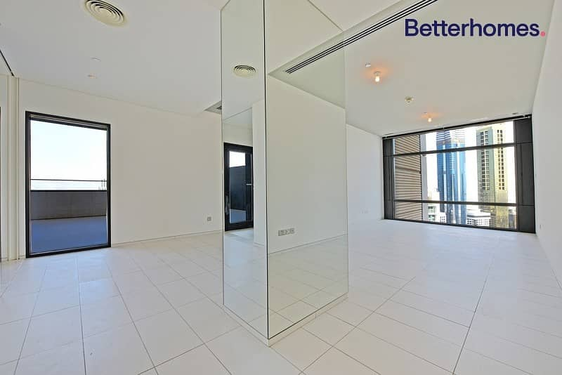 2 bed on a high floor with a stunning view.