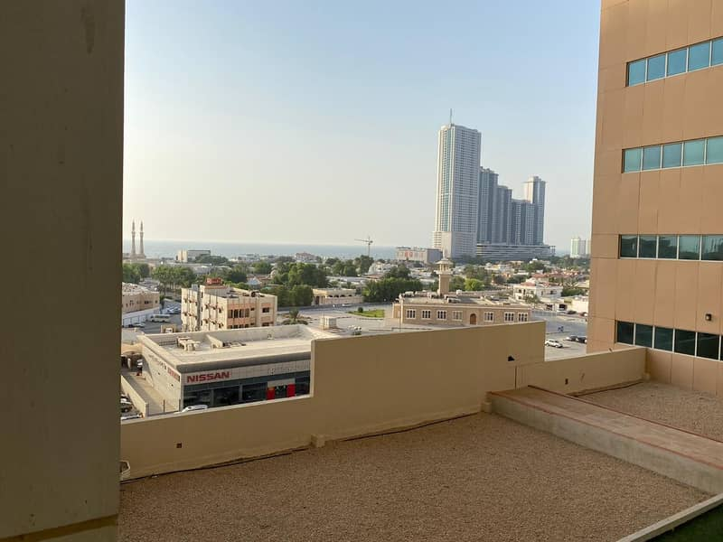 one month free Studio Big size partial sea view with free parking