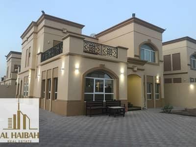 فیلا 4 غرف نوم للبيع في السيوح، الشارقة - For sale two-storey villa in Al-Suyoh 7 corner of two streets Qar