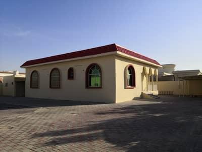 4 Bedroom Villa for Sale in Al Ramlah, Umm Al Quwain - Single story 4 bedroom hall villa for rent in Al Ramlah, Umm Al Quwain