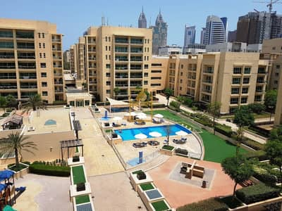 2 Bedroom Flat for Rent in The Greens, Dubai - Pool view