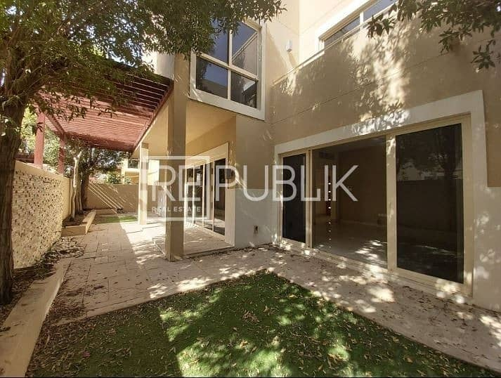 Elegant and Spacious 3 Bedroom with Private Garden