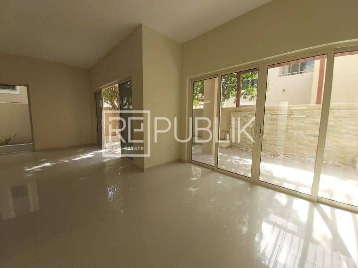 2 Elegant and Spacious 3 Bedroom with Private Garden