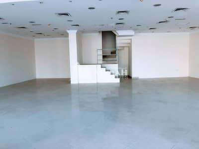 معرض تجاري  للايجار في ديرة، دبي - Showroom @ AED 70/sq.ft of 2