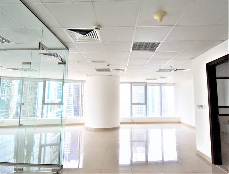 Exclusive | Corner Office Space with Pantry and WC