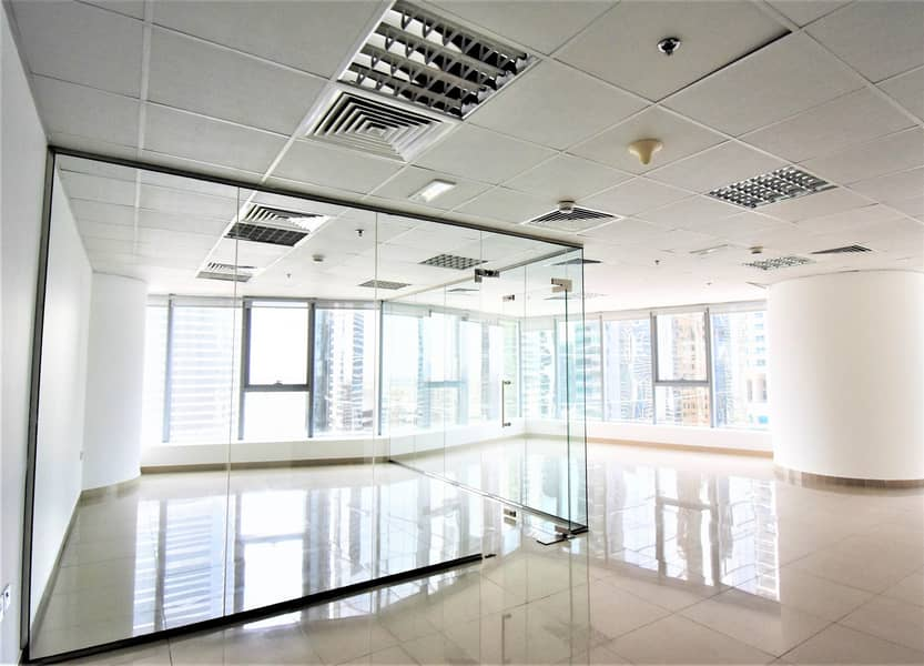 2 Exclusive | Corner Office Space with Pantry and WC