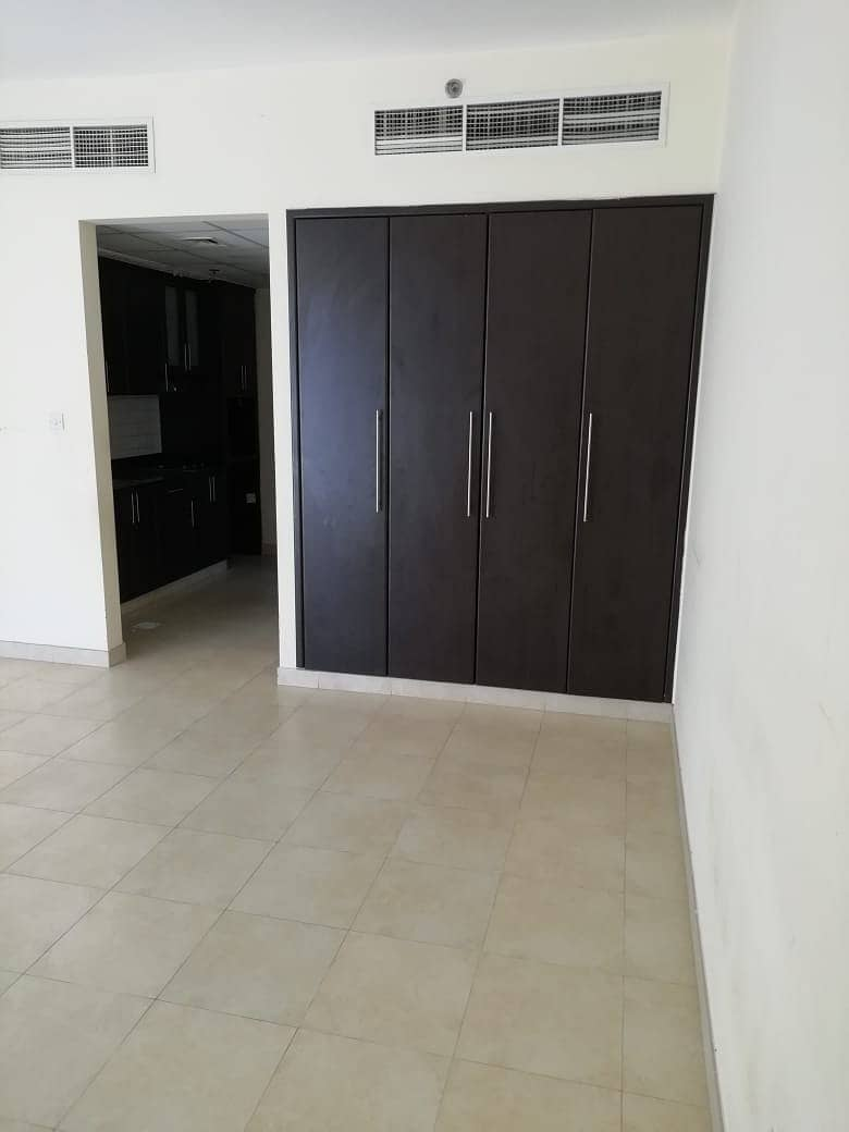 2 SPECIAL OFFER FULL FACILITY BUILDING STUDIO WITH BALCONY RENT IN PHASE 2