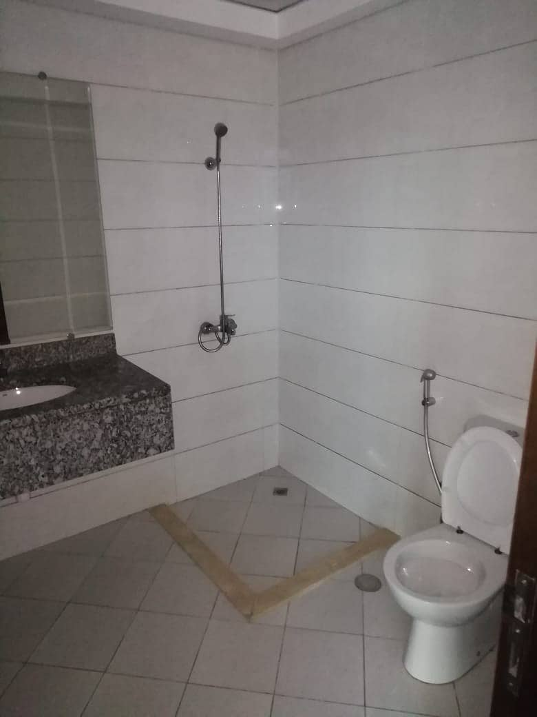10 BEST OFFER FULL FACILITY BUILDING 2 BED ROOM WITH 1 MONTH FREE RENT IN PHASE 2