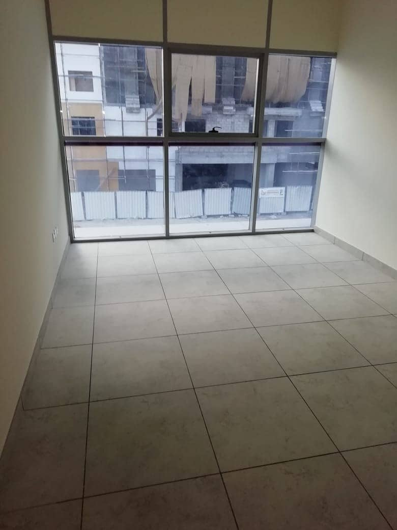 FULL FACILITY BUILDING 2 BED ROOM WITH BALCONY ONE MONTH FREE RENT IN PHASE 2