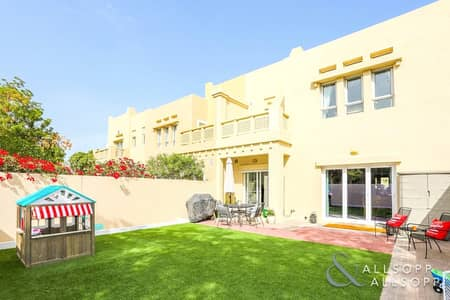 3 Bedroom Villa for Sale in The Lakes, Dubai - Exclusive | Fully Upgraded | Single Row