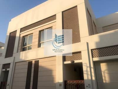 فیلا 3 غرف نوم للايجار في البرشاء، دبي - 3BR SPACIOUS COMPOUND VILLA | MAID ROOM | GARAGE PARKING | NEARBY AMERICAN SCHOOL | READY TO MOVE