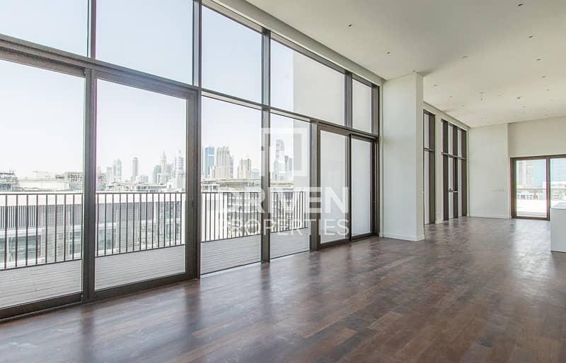 2 Luxurious Penthouse with Burj Khalifa Views
