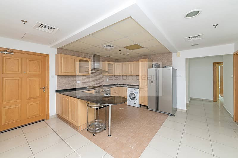 2 Well Maintained 3BR Apartment | Vacant on Transfer