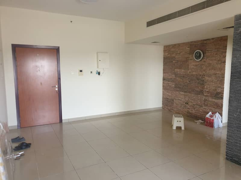 SPACIOUS 2 BED ROOM FOR RENT