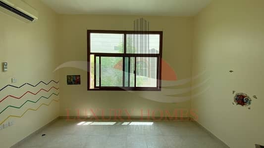 Spacious and Bright Apt with Basement Parking