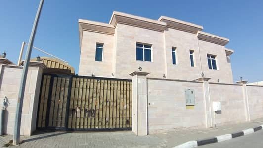 SPACIOUS 5 BEDROOM HALL VILLA AVAILABLE FOR RENT
