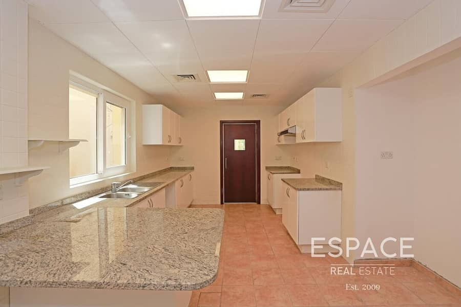 Well Maintained | End Unit | Vacant