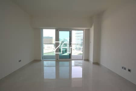 1 Bedroom Apartment for Rent in Al Raha Beach, Abu Dhabi - Sea View Large 1 BR Apt with Fantastic Facilities