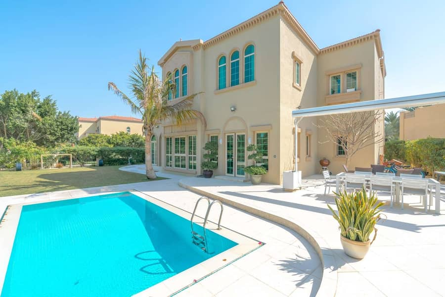 Lovely  independent  villa of four bedrooms for rent in al johar one
