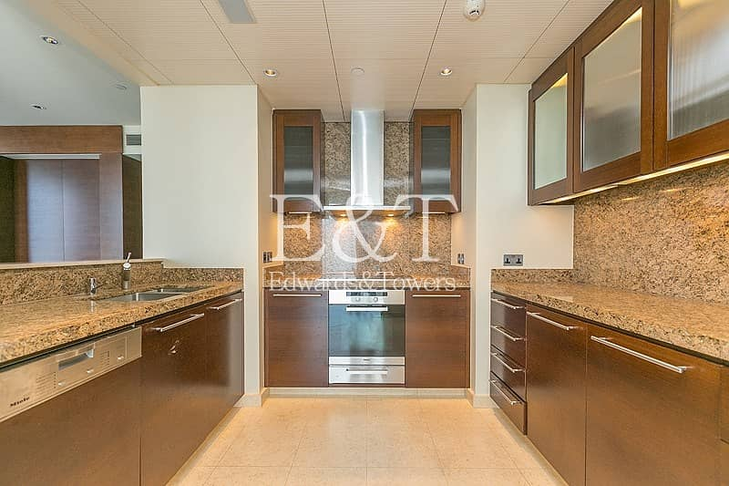 2 2 BR Apartment available in Burj Khalifa