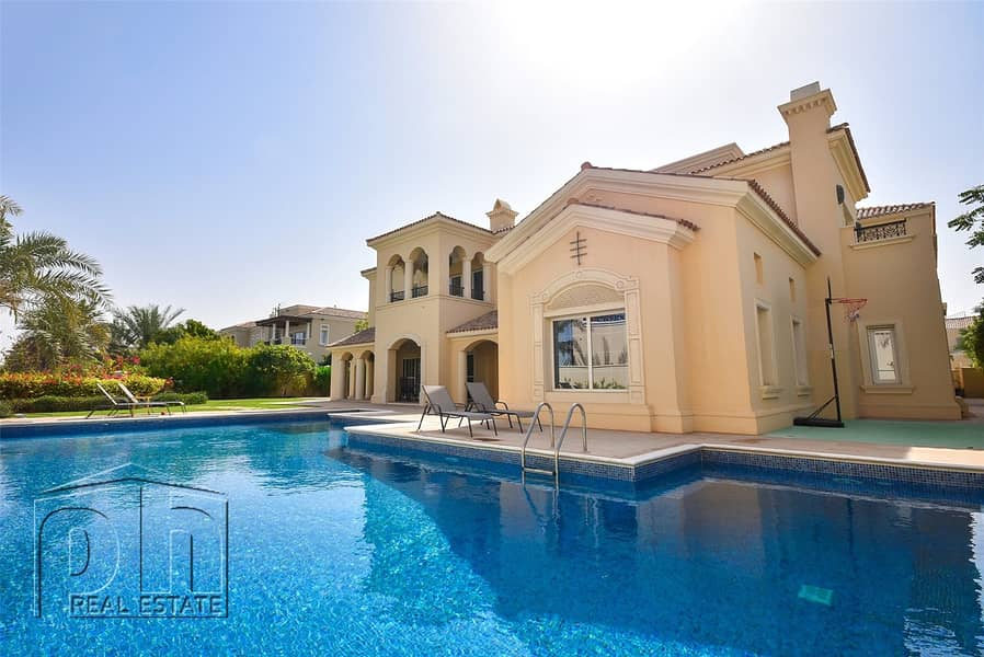2 Polo View - Huge Private Pool - 10000sqft BUA