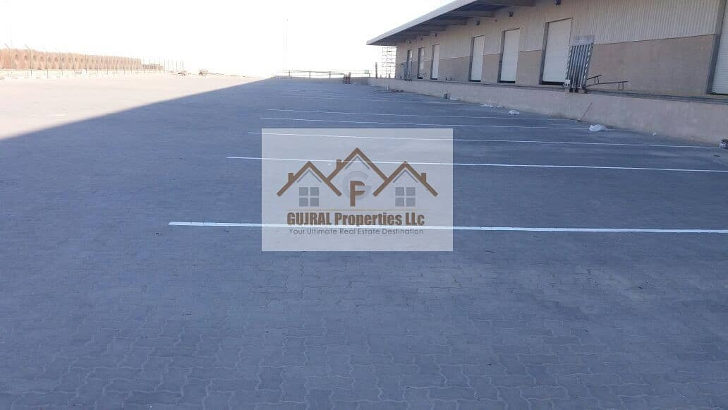 2 3 Chamber Warehouse for Sale   Huge Space