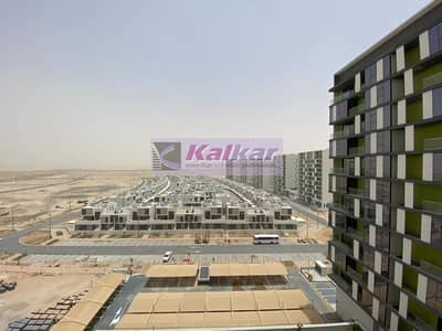 3 Bedroom Flat for Rent in Dubai South, Dubai - Huge Three Bedroom plus Maids