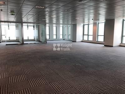 مکتب  للايجار في منطقة الكورنيش، أبوظبي - Seaview CAT A Office Unit for Lease on the Corniche