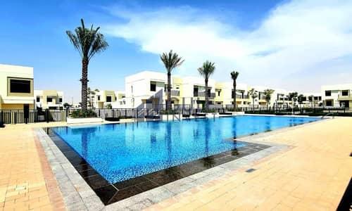 فیلا 3 غرف نوم للايجار في تاون سكوير، دبي - Single row 3 bd for family with a garden