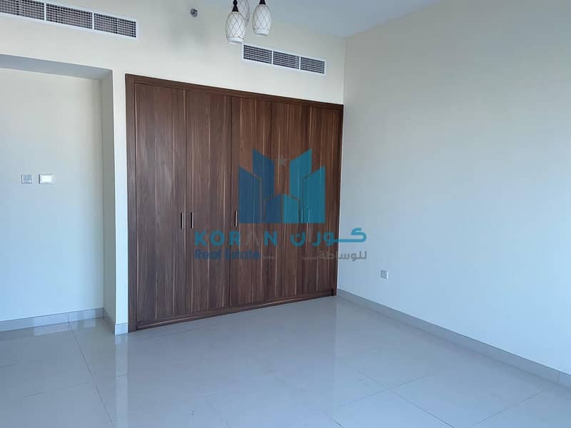 BRAND NEW BUILDING 3 BED ROOM HALL NEAR AL FAHIDI